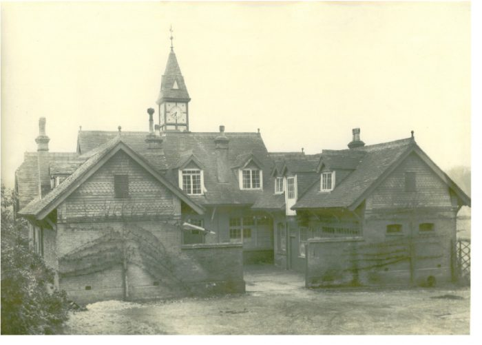 Photo of Beedingwood House Stable block