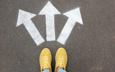 Want to make a mid-career switch? 5 leadership skills you will need on your resume